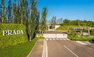 Prada începe producția în noua fabrică pe care o construiește în România în a...
